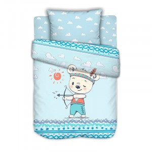 Постельное белье в детскую кроватку с простыней на резинке Мишка и индеец на полянке сатин