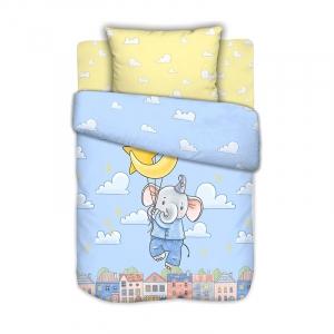 Постельное белье в детскую кроватку с простыней на резинке Слоненок в облаках на полянке сатин