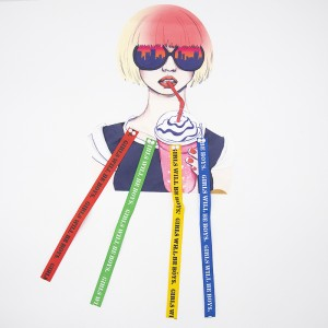 Нашивка девушка в очках и с коктейлем 21*26,5см