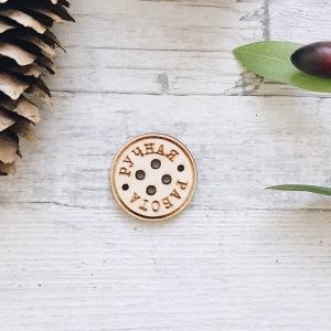 Пуговицы из дерева с гравировкой круглые 30х30мм
