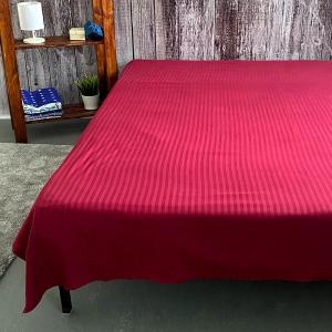 Простыня страйп-сатин полоса 1х1 120 гр/м2 084/2 цвет бордовый 1.5 сп