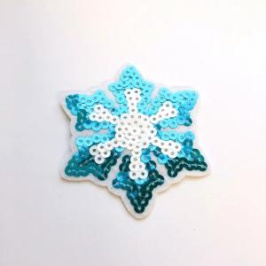 Аппликация ТАП 8035 снежинка голубые белые пайетки 8*8см