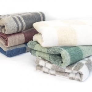 Одеяло полушерсть 150/200 420 гр/м2
